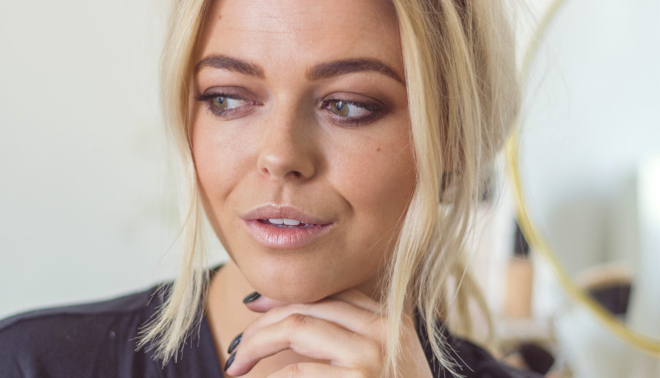 7 wskazówek, jak wykonać idealne smokey eyes