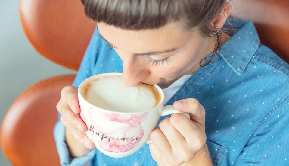 Jak spienić mleko jak w kawiarni? To zaskakująco proste