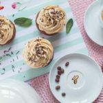 Kawowe muffiny zkarmelowym kremem