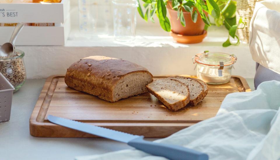Chleb na zakwasie – przepis, dzięki któremu nauczyłam się go piec w domu