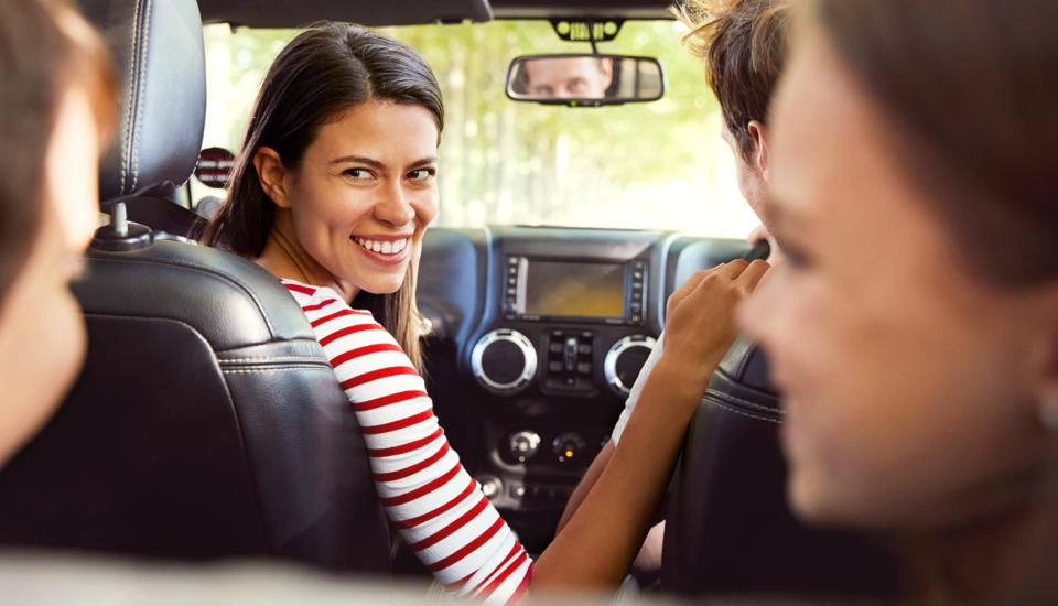 5 pomysłów na zabawy w samochodzie nie tylko dla dzieci