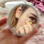 Jak sobie radzić zpodkrążonymi oczami? Kosmetyczka ointernetowych poradach