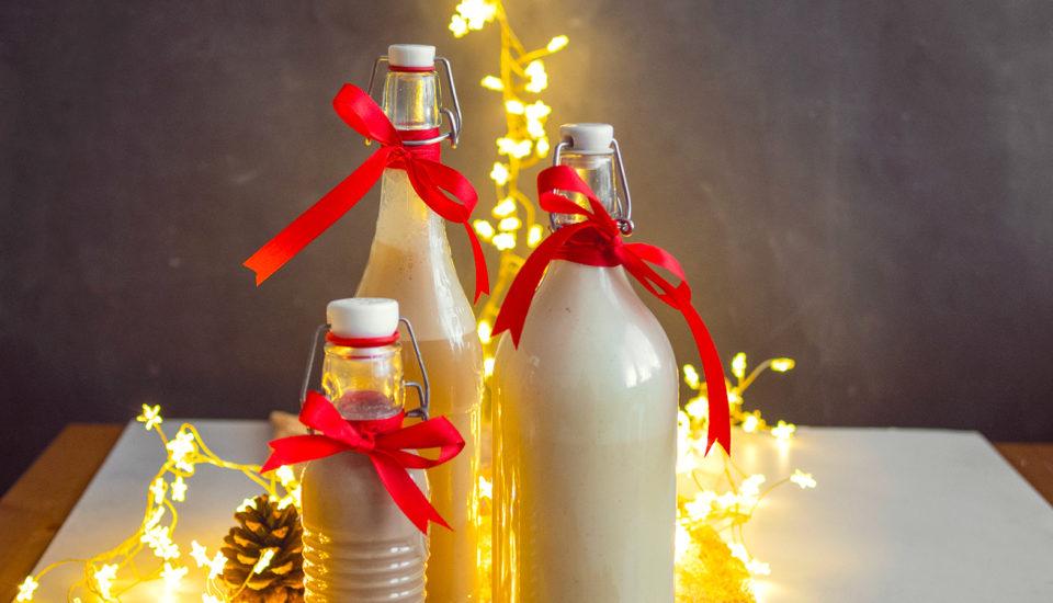 4 przepisy na świąteczne likiery: piernikowy, karmelowy, jajeczny ikawowy