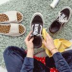 Pokonaj nieprzyjemny zapach zbutów! Trzy kroki do pachnącego obuwia
