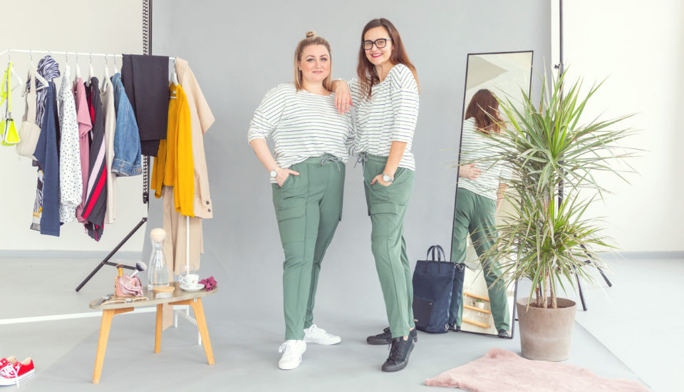 Plus size to nie tylko moda w czarnym odcieniu! 6 pomysłów na outfity, które Cię rozpromienią